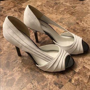 Black & white le chateau heels, size 7